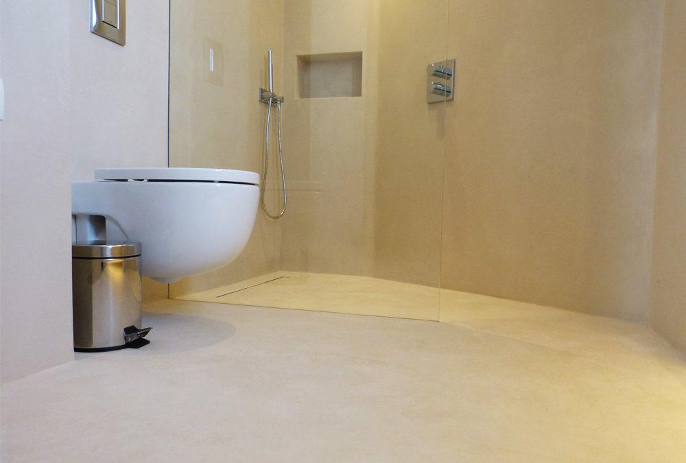 Decoración de baños. Microcemento en platos de ducha.