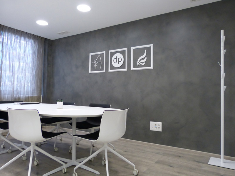 Descubre el microfine el microcemento para paredes - Aplicacion de microcemento en paredes ...