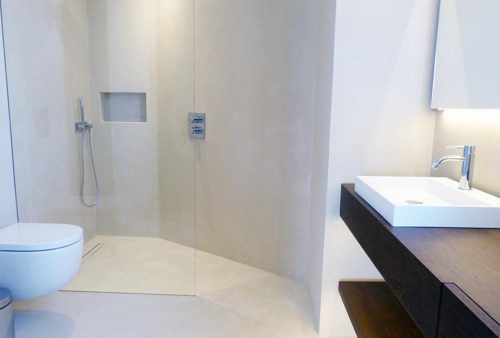 Suelos blancos para ba os microcemento ingremic for Panel de revestimiento para banos y cocinas